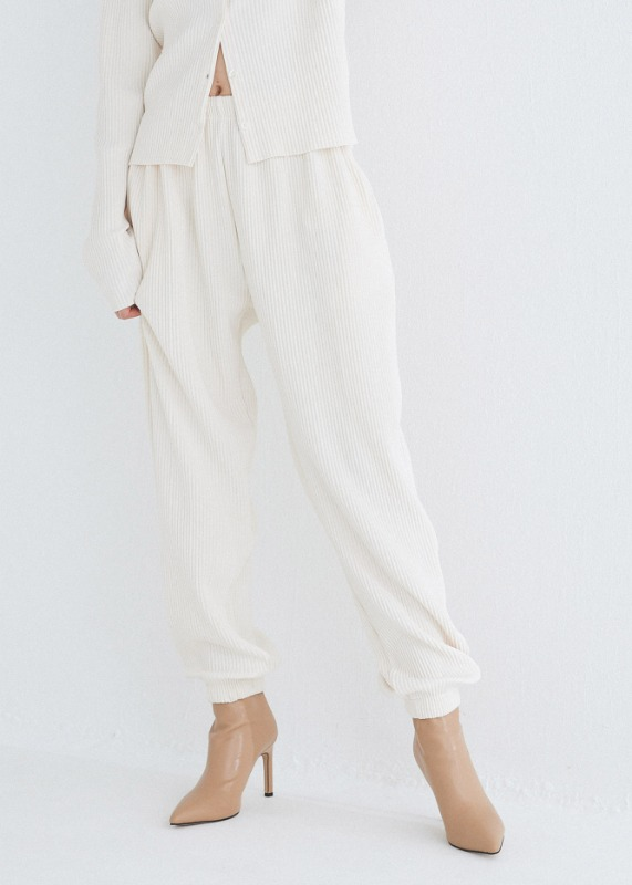 Relax fit pants (Ivory)