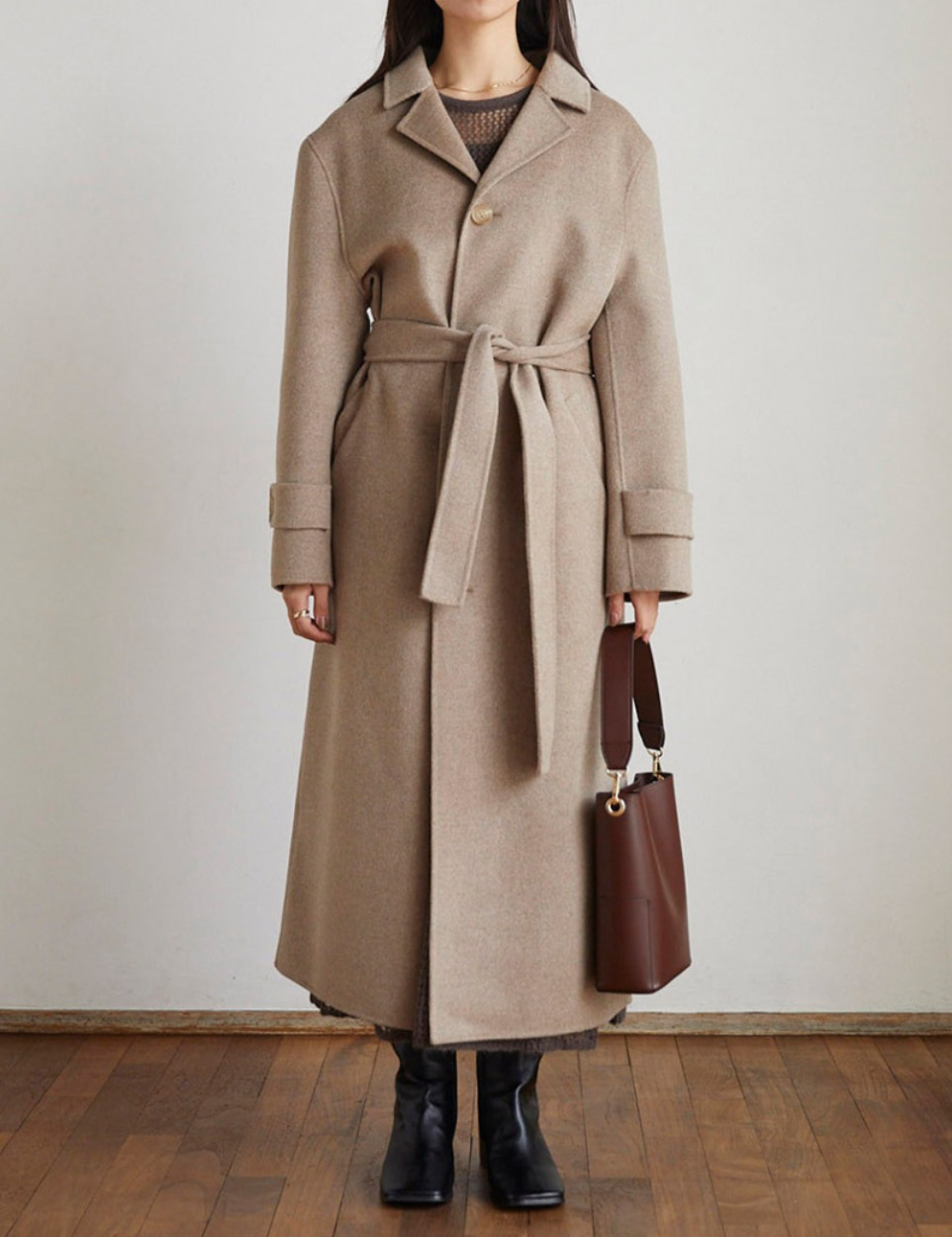 Over shoulder wool coat